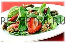 Простой рецепт - Салат из шпината с клубникой и грецким орехом